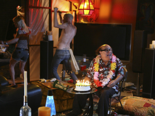 Watch It's Always Sunny in Philadelphia Season 6 Episode 10