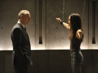 Watch Nikita Season 1 Episode 11