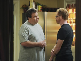 Watch Modern Family Season 2 Episode 12