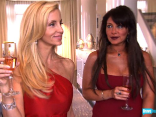 Watch The Real Housewives of Beverly Hills Season 1 Episode 12