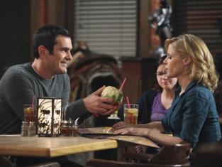 Watch Modern Family Season 2 Episode 16