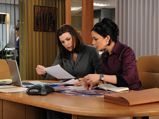 Watch The Good Wife Season 2 Episode 18