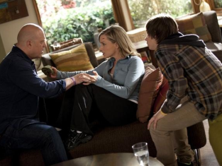 Watch No Ordinary Family Season 1 Episode 19