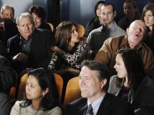 Watch Modern Family Season 2 Episode 19