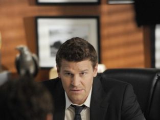 Watch Bones Season 8 Episode 8