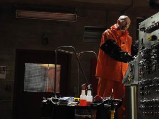 Watch Breaking Bad Season 4 Episode 4