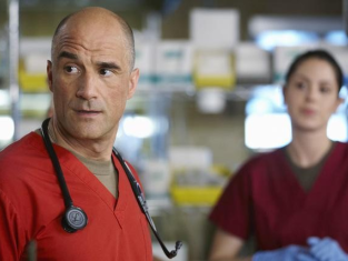Watch Combat Hospital Season 1 Episode 7