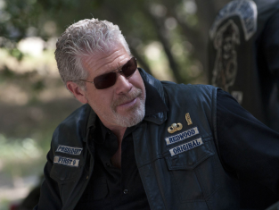 Watch Sons of Anarchy Season 4 Episode 2