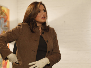 Watch Law & Order: SVU Season 13 Episode 1