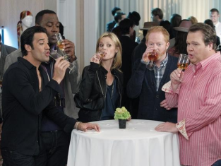 Watch Modern Family Season 3 Episode 6