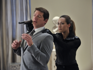 Watch Nikita Season 2 Episode 7