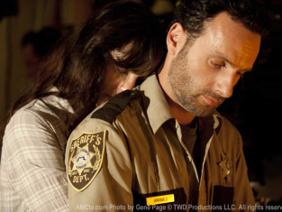 Watch The Walking Dead Season 2 Episode 4