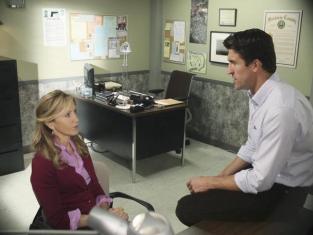 Watch Desperate Housewives Season 8 Episode 9