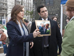 Watch Law & Order: SVU Season 13 Episode 12