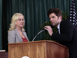Watch Parks and Recreation Season 4 Episode 17