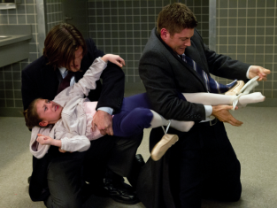 Watch Supernatural Season 7 Episode 16
