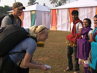 Watch The Amazing Race Season 20 Episode 9