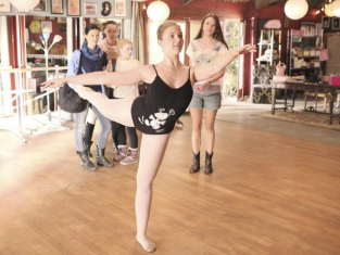 Watch Bunheads Season 1 Episode 1
