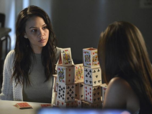 Watch Pretty Little Liars Season 3 Episode 7