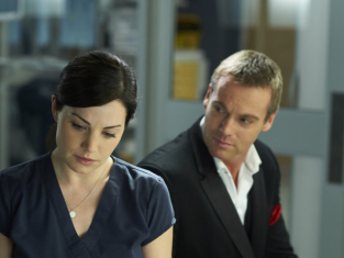 Watch Saving Hope Season 1 Episode 7
