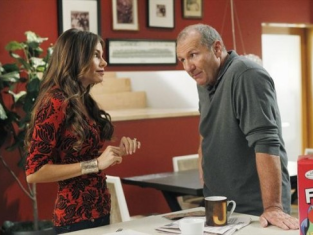 Watch Modern Family Season 4 Episode 1
