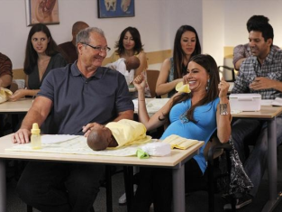 Watch Modern Family Season 4 Episode 2