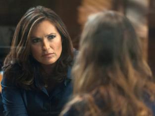 Watch Law & Order: SVU Season 14 Episode 4