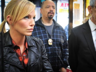 Watch Law & Order: SVU Season 14 Episode 6