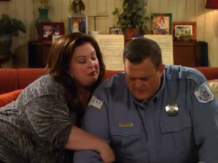 Watch Mike & Molly Season 3 Episode 9
