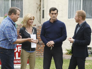 Watch Modern Family Season 4 Episode 10