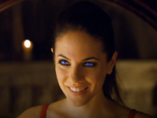 Watch Lost Girl Season 3 Episode 1