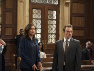 Watch Law & Order: SVU Season 14 Episode 12