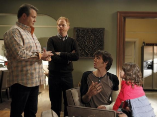 Watch Modern Family Season 4 Episode 15
