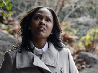 Watch Deception Season 1 Episode 9