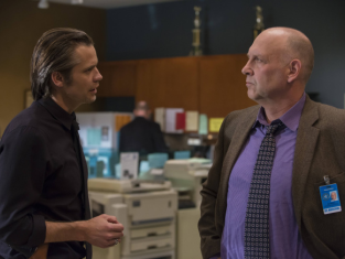 Watch Justified Season 4 Episode 8