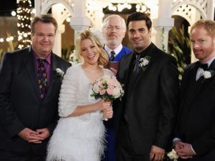 Watch Modern Family Season 4 Episode 17