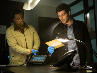 Watch Grimm Season 2 Episode 16