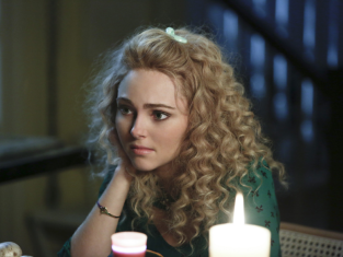Watch The Carrie Diaries Season 1 Episode 11