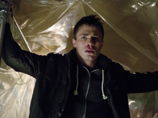 Watch Arrow Season 1 Episode 18