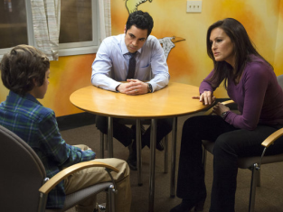 Watch Law & Order: SVU Season 14 Episode 19