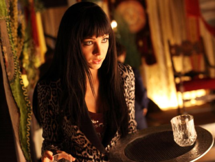 Watch Lost Girl Season 3 Episode 12