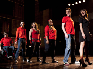 Watch Glee Season 4 Episode 19
