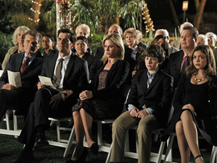 Watch Modern Family Season 4 Episode 24