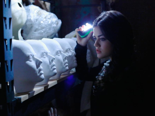 Watch Pretty Little Liars Season 4 Episode 4