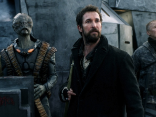 Watch Falling Skies Season 3 Episode 10