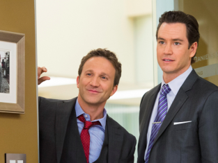 Watch Franklin & Bash Season 3 Episode 10