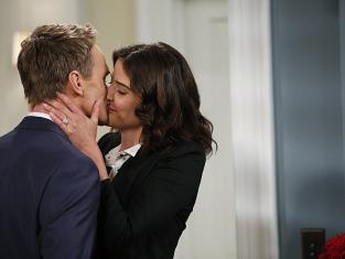 Barney and Robin Kiss