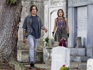 Watch Ravenswood Season 1 Episode 1