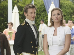 Watch Revenge Season 3 Episode 3