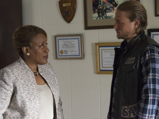 Watch Sons of Anarchy Season 6 Episode 9